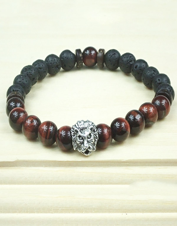 Survival Bracelet with Lion Charm